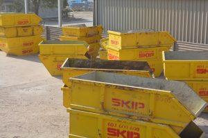 Kontener na śmieci Skip