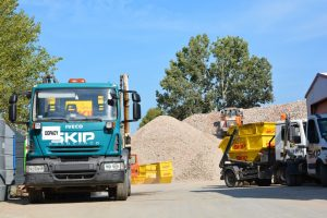Kontenery na odpady budowlane